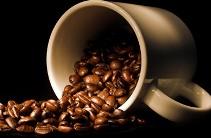 Кофе положительно влияет на сохранение молодости кожи - фото
