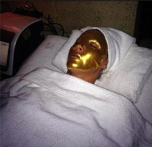 Новая методика омоложения золотом - фото