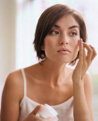 Причина бесполезности дорогой косметики – неправильное использование - фото