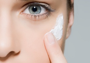 В Британии создали тест, выявляющий реакции на косметические продукты  - фото