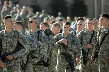 Американские военные делают липосакцию - фото