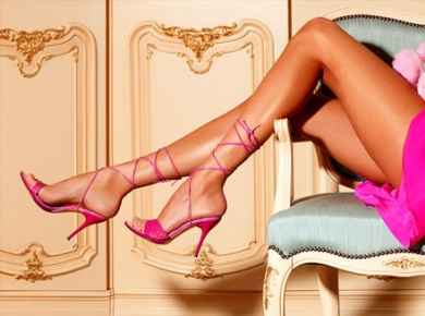 Ради туфель своей мечты американки делают пластику стоп - фото